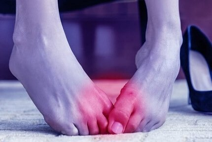 Sharp Pain in Big Toe: Common causes, symptoms, diagnosis & treatment